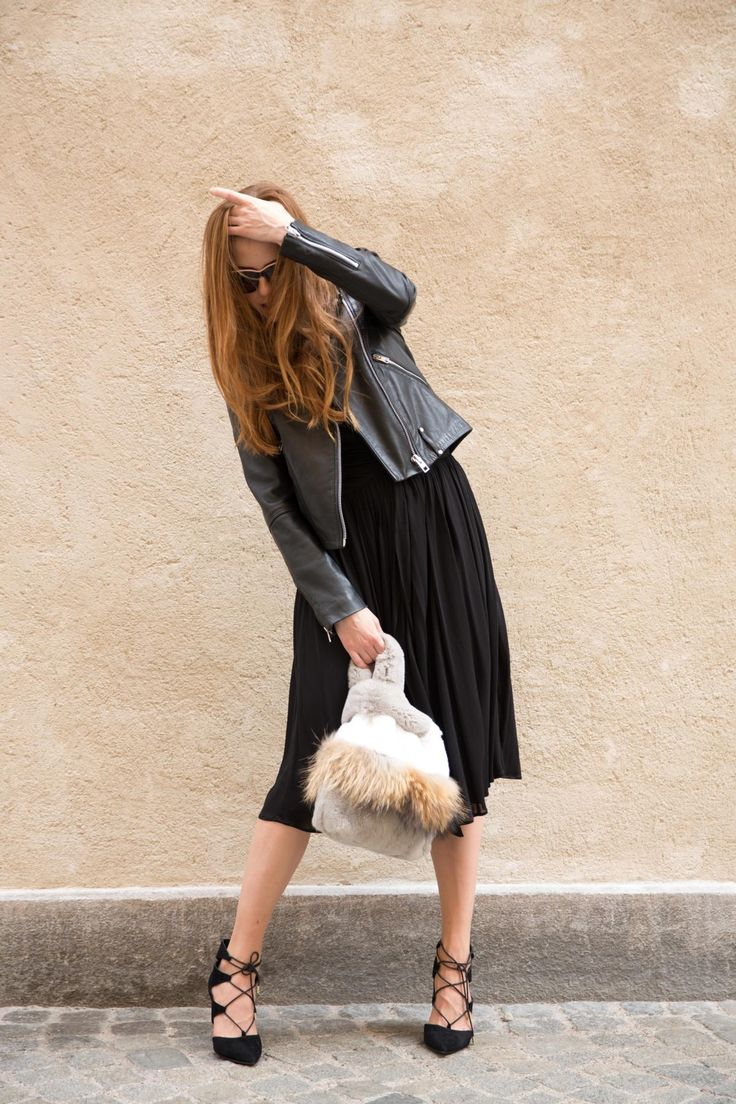EYES ON MISHA Lapinette bag in neutral colours  #eyesonmisha #bag #neutrals #furbag #grey #naturalcolours