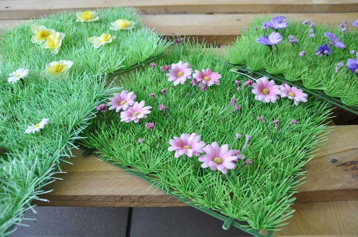 Patrat iarba sintetic cu flori, diferite modele, cca. 20x20. art.-nr: 00905. Lei 14.-