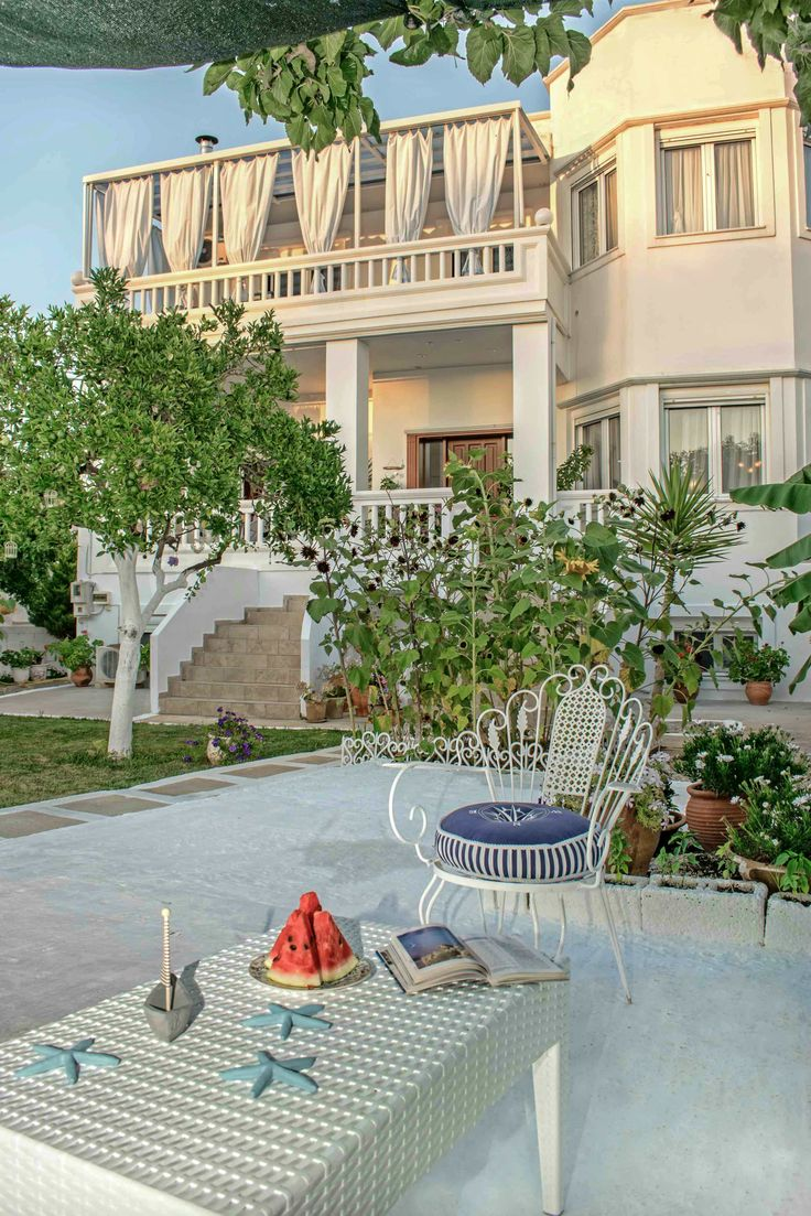 Choose the 3-bedroom Sweet Home for your stay in Chania, Crete!