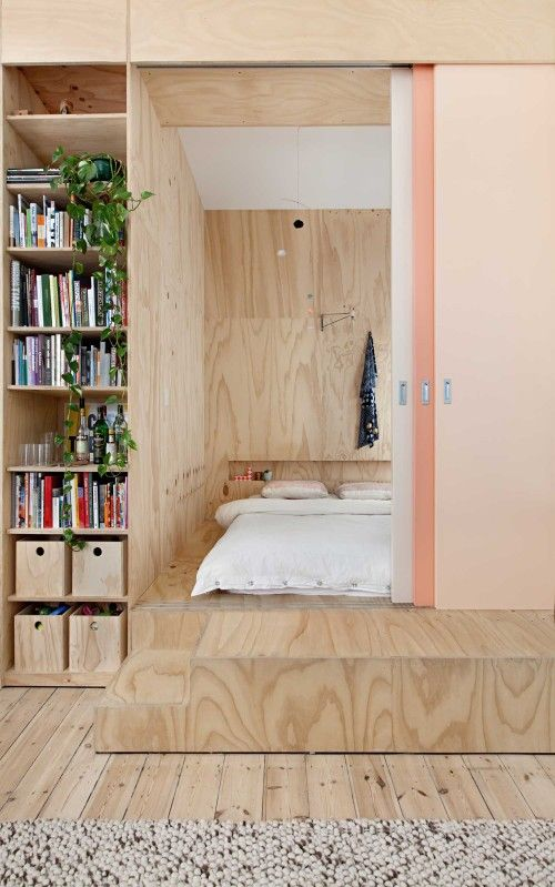 Flinders Lane Apartment is a minimalist house located in Melbourne, Australia, designed by Clare Cousins.
