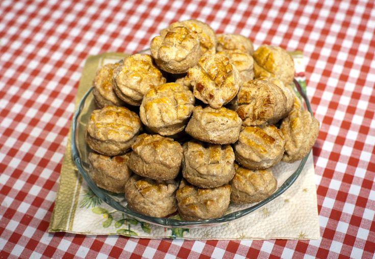 Foszlós, libatepertős pogácsa: ha így hajtogatod, szép réteges lesz