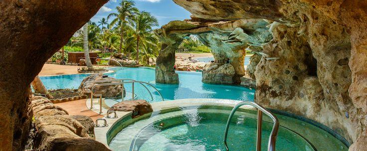 Infinity pool, beach entrance, hot tub, grotto