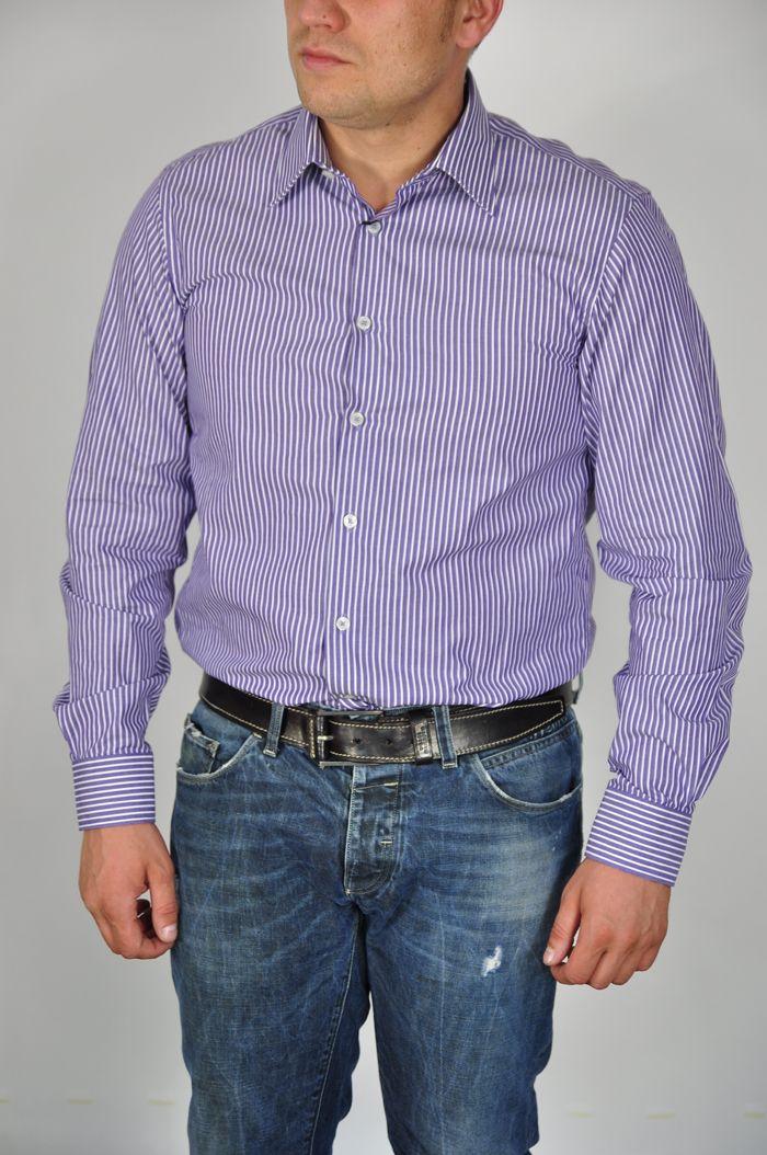 Producător: Calvin Klein Cod produs: CK27 Disponibilitate: În Stoc Camasa Calvin Klein  Compozitie: 100% bumbac Detalii: mânecă lungă, slim fit, Guler italian cu 1 buton Spălare 30 °