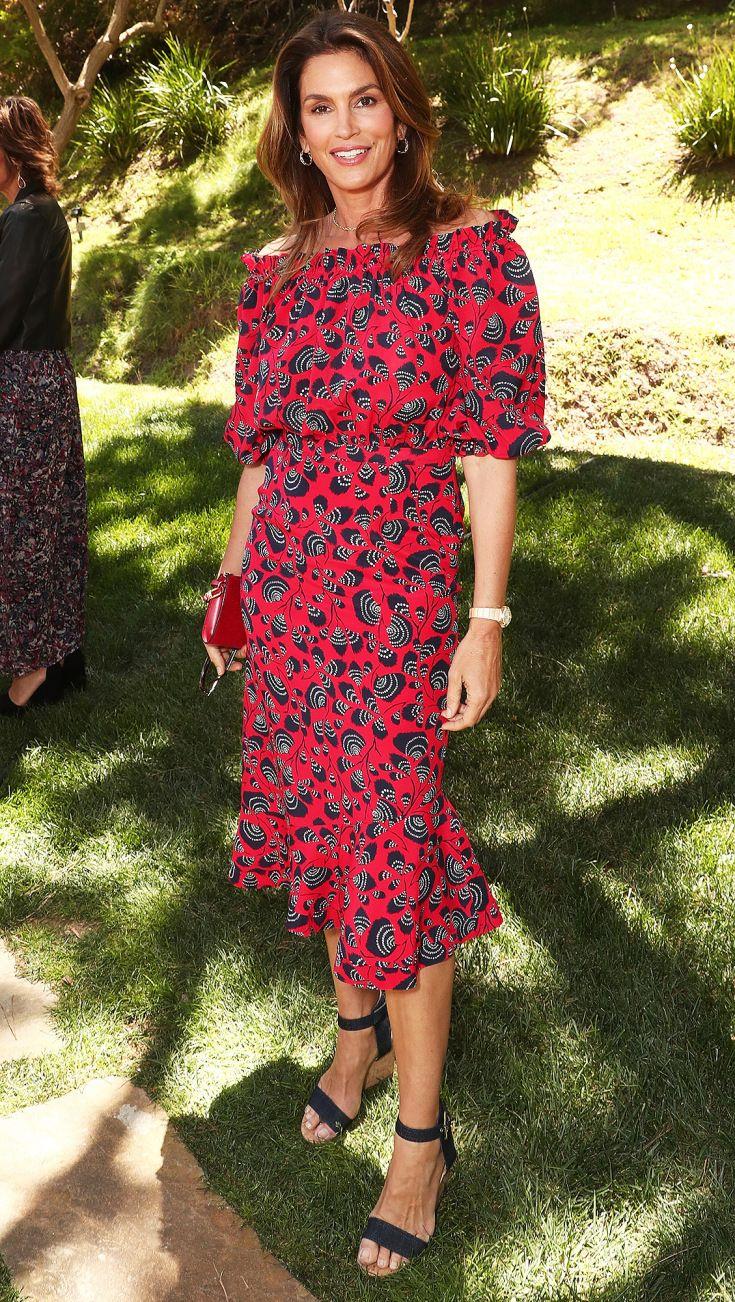 635 Best Ladies In Red Images On Pinterest Burgundy Rugs