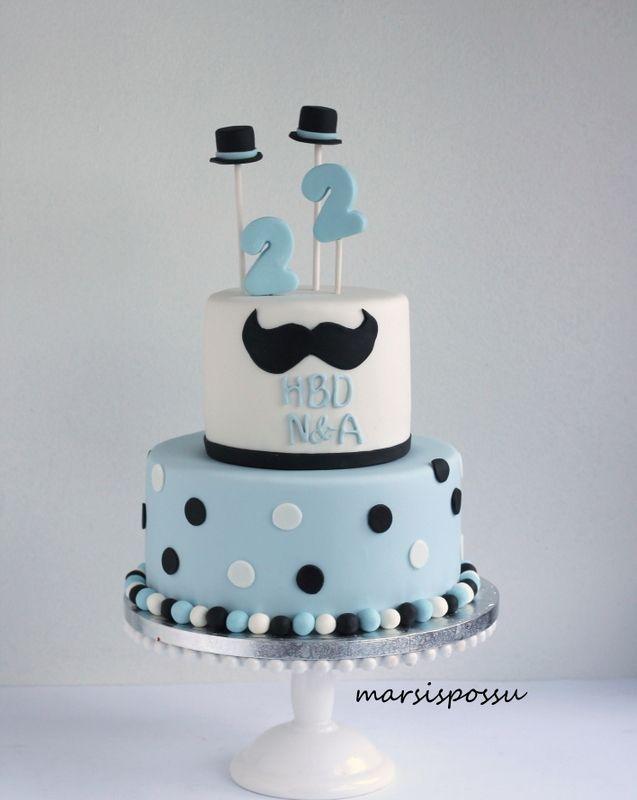 Marsispossu: Kaksosten 2-vuotiskakku, Mustache cake