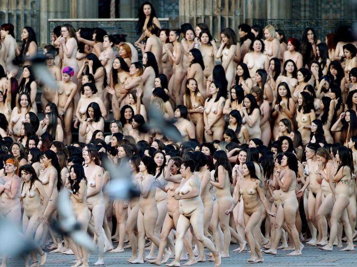 Groups of naked girls spencer tunick 6