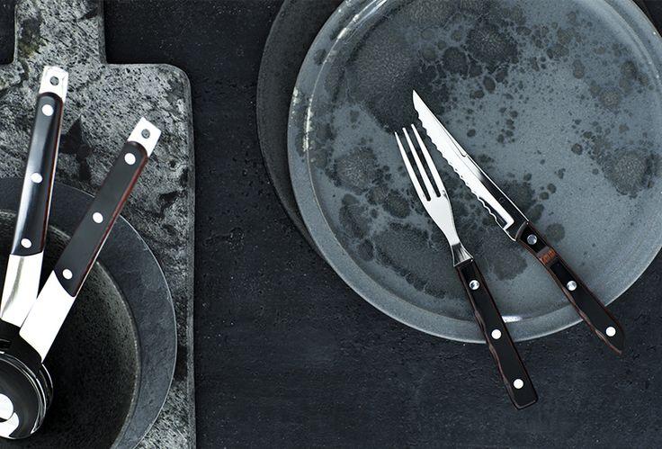 Gense Old Farmer. Gense Old Farmer bestik er et populært og stærkt grillbestik, som er kendt for de rustikke trææsker. Designet i 1970. Se bestiksættet på: http://bestiksaet.dk/tilbud-bestik/gense-bestikaet/old-farmer.html