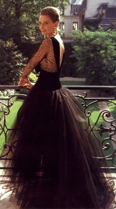 Audrey Hepburn still fabulous never was anything less than a lady. A fashion icon to be admired!