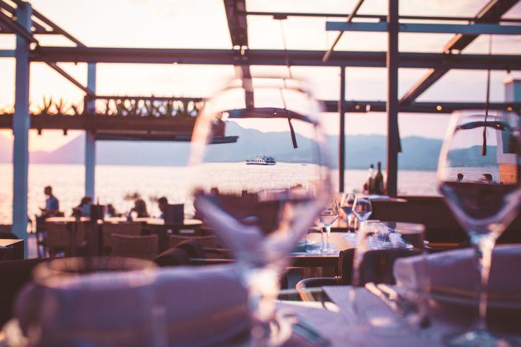 let go,let it all go,sit back and enjoy the space. #distinto #distintorio #distintobar #patras #restaurant #wine #view #sea #moon