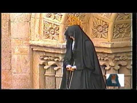 Semana Santa Zamora (España). Entre dos luces, Virgen de la Soledad y sus damas. (2003)