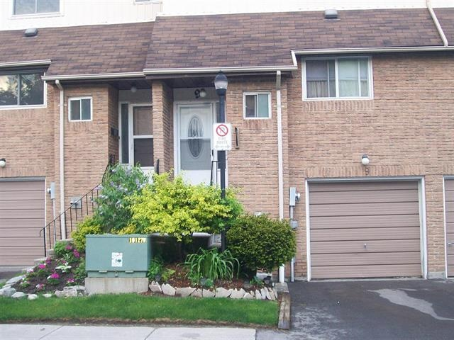 AJAX (ON) This completely renovated townhouse is located in prime pickering location. New hardwood flooring and walkout to fully fenced backyard. This is what I call a smart investment. Going for $264,000.00. http://www.century21.ca/Property/100872614