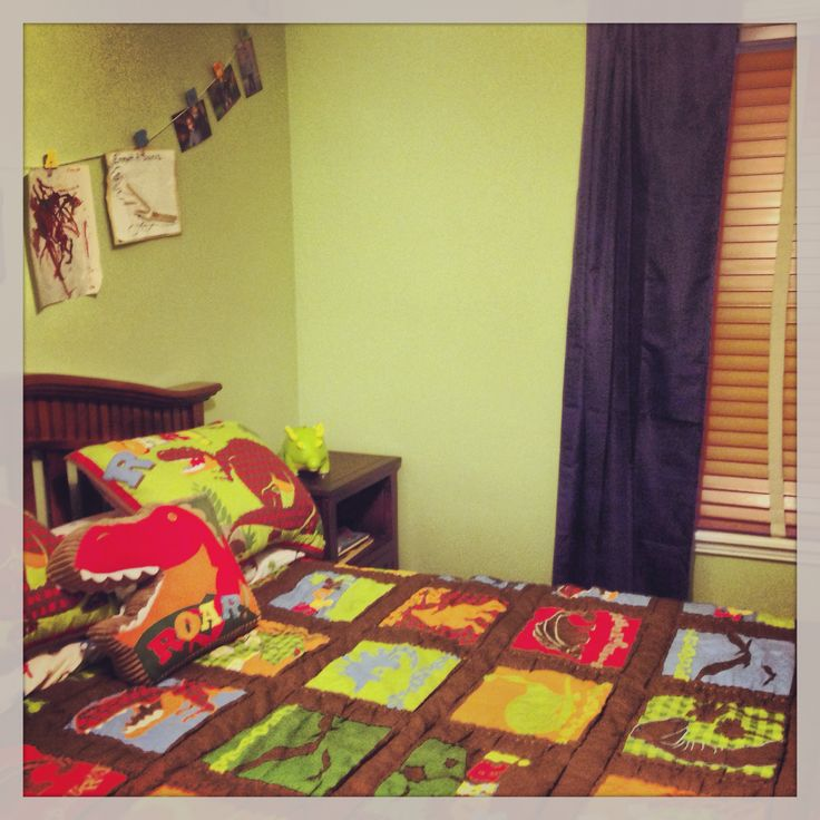 Dinosaur bedroom for a three year old boy bedding and - Bedroom ideas for 3 year old boy ...