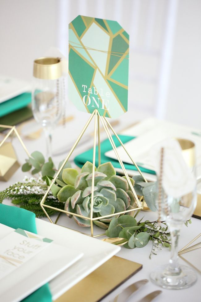 Geometric Vogue Wedding Inspiration | SouthBound Bride | http://southboundbride.com/geometric-vogue-wedding-inspiration | Credit: Hello Love Photography