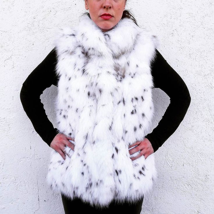 If you like to buy one of our products please visit our etsy shop (link in bio) #new #fashion #style #modern #love #collection #furfashion #furvest #hot #winter #accessory #accessories #etsyshop #etsy #necklace #makeup #magazine #sales #light #followme #instagood #worldwide #handmade #clothing #real #fur