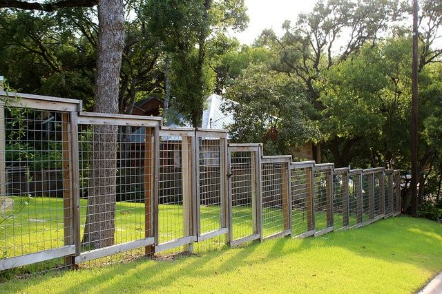Sloping Fence In 2019 Outdoor Patio Ideas Hog Wire