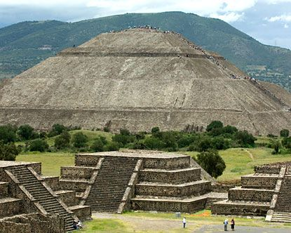 10 Best images about Mexican Pyramids on Pinterest ...