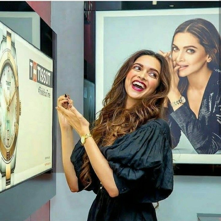 Pin By Ayahassibe On Bollywood Actors Deepika Padukone Style Bollywood Celebrities Bollywood Fashion