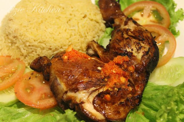 Azie Kitchen: Nasi Ayam Original