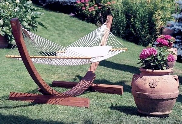 #giardino #arredamento #legno #vetro #plexiglass #fantasia #creatività #designmoderno #stileclessico