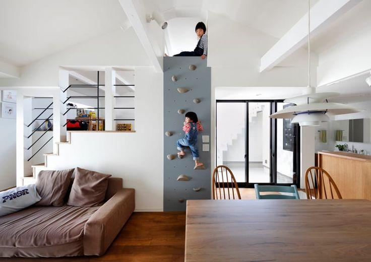 木目調のリビングのデザイン:リビングダイニングをご紹介。こちらでお気に入りのリビングデザインを見つけて、自分だけの素敵な家を完成させましょう。