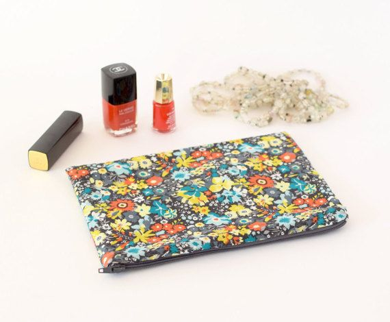 Zip pouch Liberty of London Manuela  makeup pouch by lafourmiele