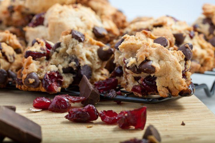 Celozrnné sušenky s čokoládou a brusinkami