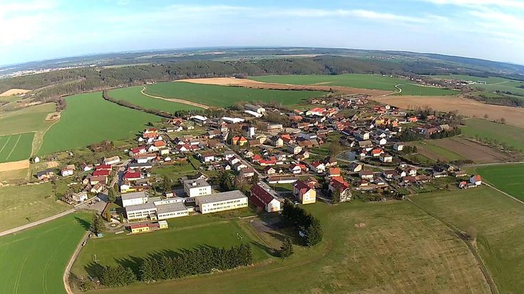 - dnešní pohled z dronu na rodnou vísku - směrem od západu...... - Today the view from the drone to native village - from the west ...... 31.3. 2016