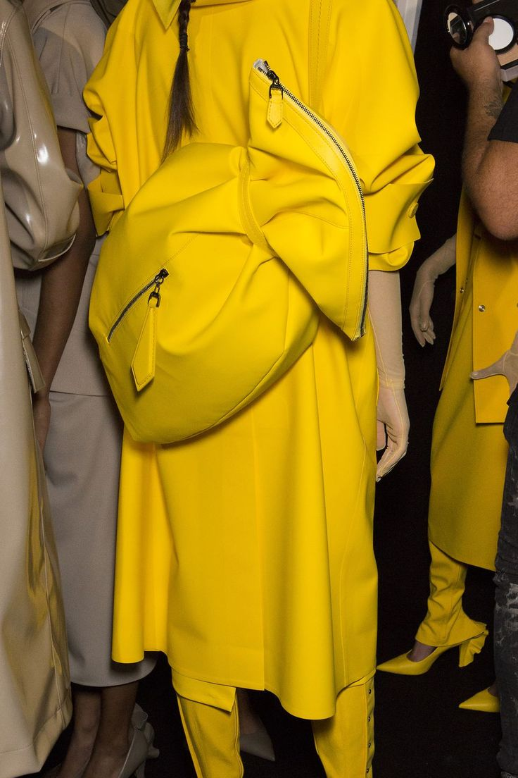 100 bags we want from the spring/summer 2019 catwalks – Hannah Kimble