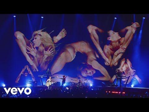 Depeche Mode - Enjoy The Silence (Live in Berlin) - YouTube