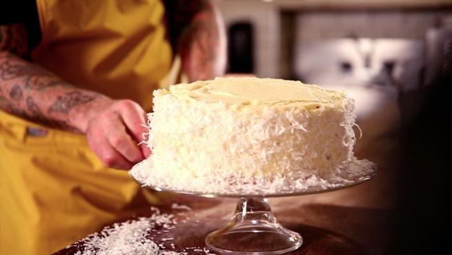 Gâteau à la noix de coco de Chuck Hughes