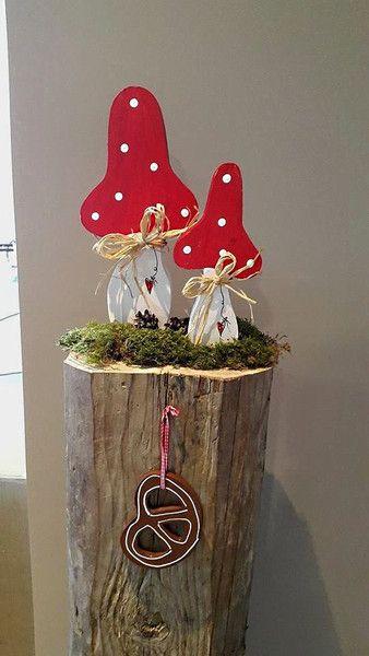 Fliegenpilz, den ich aus Holz gemacht habe. Der Pilz ist in kleinen _oder_ …