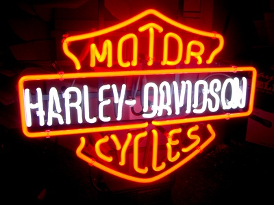 Different styles of lights always make a room for me! This Harley Davidson Neon Sign would be right at home in my man cave!