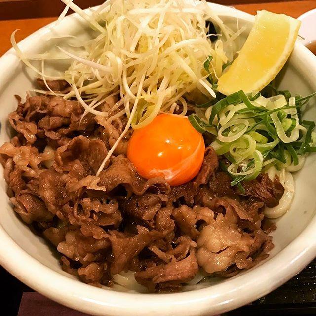 仙台牛A5ランクを使用した「極上の肉うどん」¥1600。こんな美味しい、肉うどん食べたの初めてでした😊値段の割には安く感じました♡またきます٩(ˊᗜˋ*)و#うどん#udon#肉#beef#和食#Japanese#food#japan#東京#中野#nakano#中野区#nakanoku#ランチ#lunch#おすすめ#おいしい