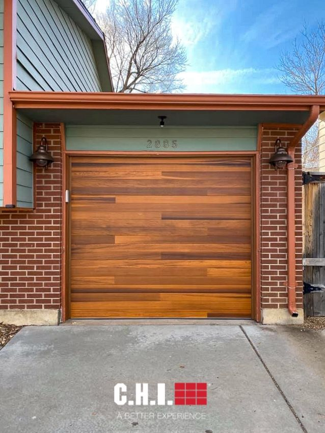 Planks Garage Door In Cedar Accents Woodtones In 2020 Garage Door Styles Garage Door Types Modern Garage Doors