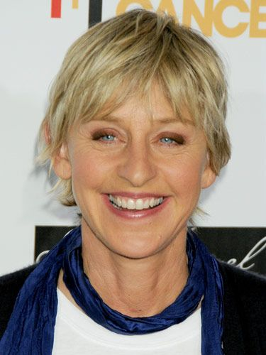 Ellen DeGeneres' short cut shows off her beautiful blue eyes -- so smart!
