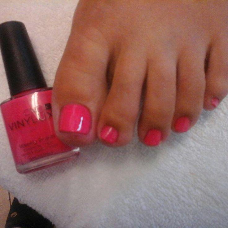#pedicure #vinylux #pinkbikini