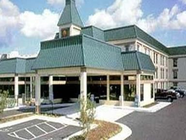 Portsmouth (VA) Comfort Inn Olde Town Portsmouth United States, North America Set in a prime location of Portsmouth (VA), Comfort Inn Olde Town Portsmouth puts everything the city has to offer just outside your doorstep. The hotel offers guests a range of services and amenities designed to provide comfort and convenience. To be found at the hotel are 24-hour front desk, express check-in/check-out, luggage storage, Wi-Fi in public areas, car park. Air conditioning, alarm clock,...