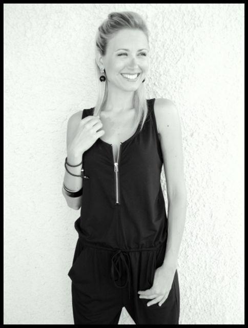 More photos on my blog:  http://hellomissmoda.blogspopt.it  #jumpsuit #totalblack #look #outfits