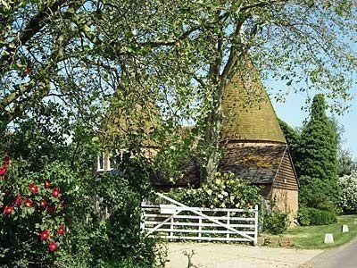 Potts Farm Oast, Tenterden   Reviews and accommodation information