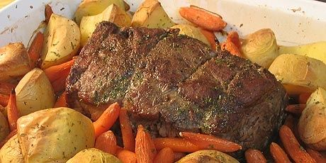 Quick Roast Beef with Roasted Potatoes and Carrots