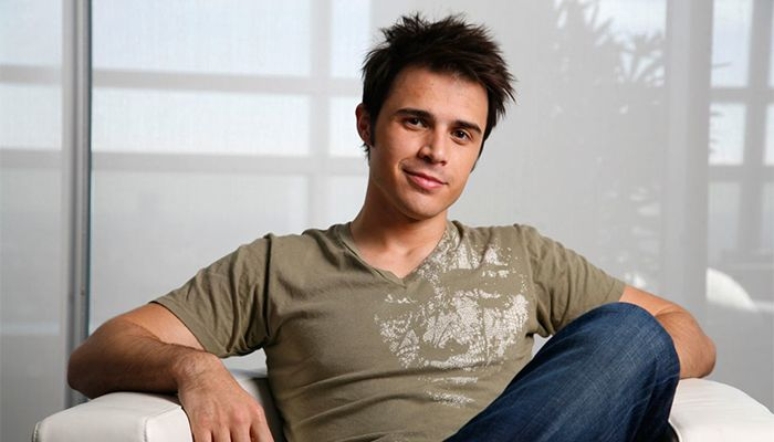 Kris Allen is an American singer best known for being the winner of the eighth season of American Idol. Find out what he's been up to now in 2016!
