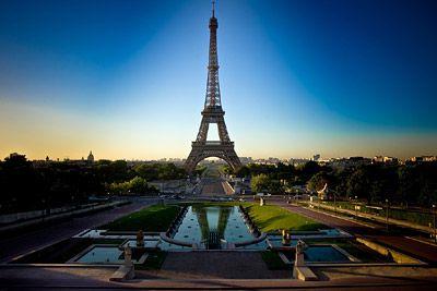 Eiffel Tower in early light. http://www.warrenwilliams.co.nz