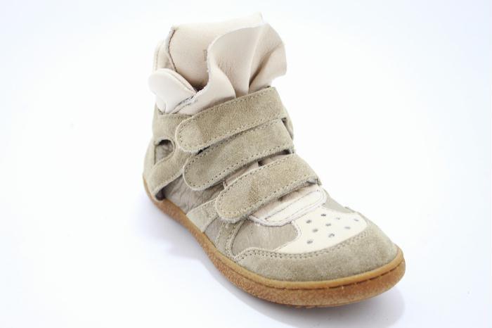 Momino damesschoen sophisticated sporti sneaker made in beige suede leather combination..