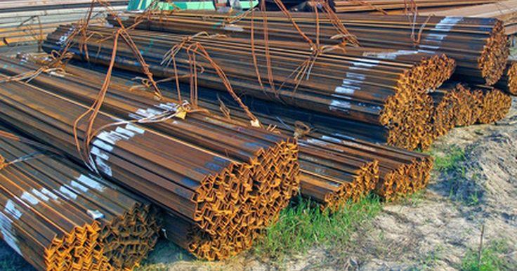 Los tramos permisibles para las vigas de acero. Las vigas de acero se utilizan en proyectos de construcción comercial y residencial. En los últimos años, el costo del acero se ha reducido hasta el punto de que a menudo es comparable en precio a las vigas de madera tradicionales. Uno de los beneficios de las vigas de acero es la durabilidad, ya que el acero estructural va a durar más que la ...