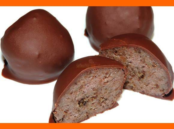 Čokoládové guľky z mascarpone a piškótových okrajkov.  http://www.sefkuchari.sk/index.php?a=rcp&riu=741