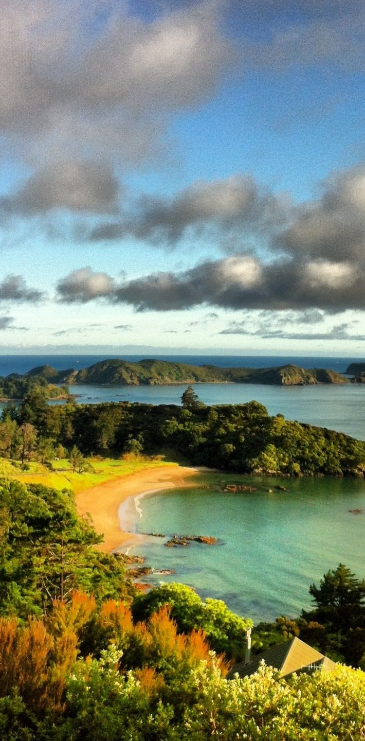 Mahinepua Peninsula - Northland, New Zealand. . So many islands, and even more beautiful bays in this area.