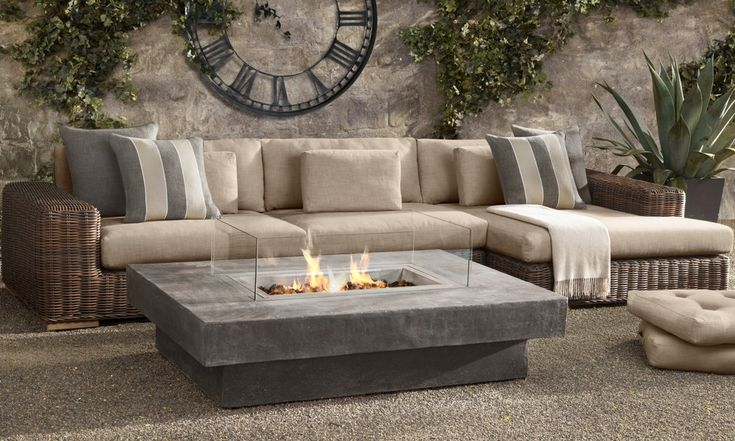 Outdoor fire pit, clean lines- so beautiful!