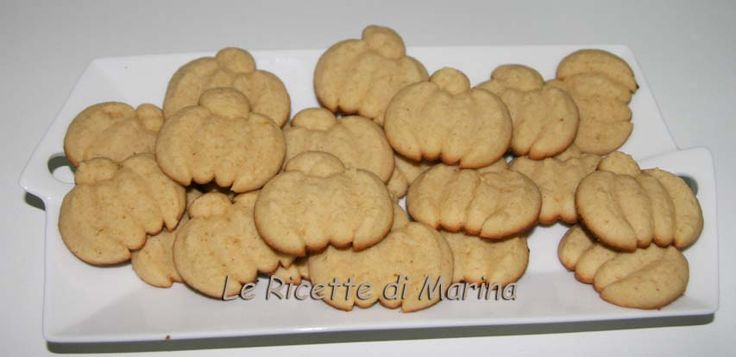 Biscotti di Halloween a forma di zucca, ricetta per sparabiscotti