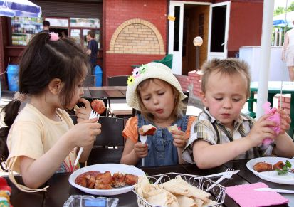 Child Friendly Cafes and Eating in Brisbane with Kids Child Friendly  Cafe's and Restaurants in Brisbane are hard to find, so we are gathering them in one