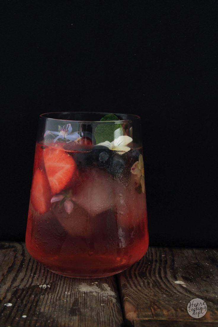 Homemade Strawberry and Blueberry Lemonade ! / Zelfgemaakte Aardbeien en Blauwe bessen Limonade zonder suiker! / Homecooking dept / In Dutch